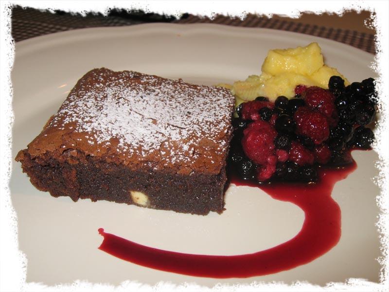 Deilig brownie med Baileys og hvit sjokolade.